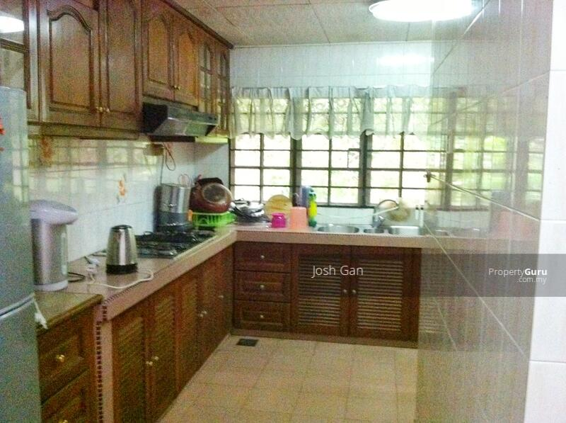 Fantastic Price Corner In Damansara Jaya #157668015