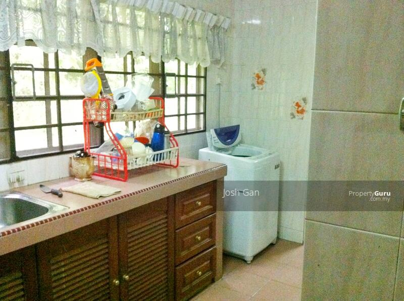 Fantastic Price Corner In Damansara Jaya #157668027