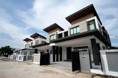 For Sale - Near PUCHONG! ! ! 30x80 Superlinkhouse Terrace , Cash back 60k Lowest Price!
