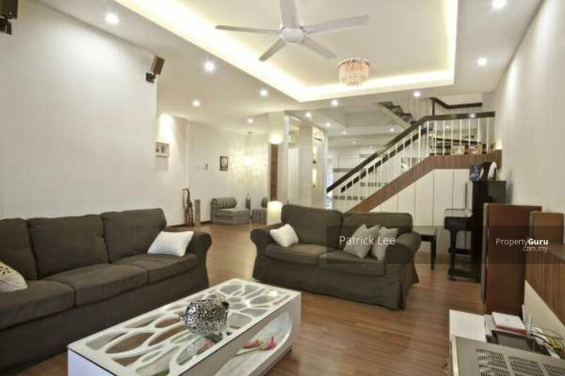 [SUPER Convenient] 2 mins to Shopping Mall, Hospital, Freehold Double Storey 20x75 G&G, Free WiFI #160226007