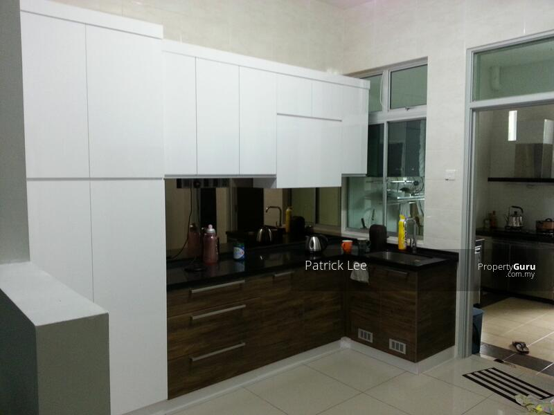 [SUPER Convenient] 2 mins to Shopping Mall, Hospital, Freehold Double Storey 20x75 G&G, Free WiFI #160226015