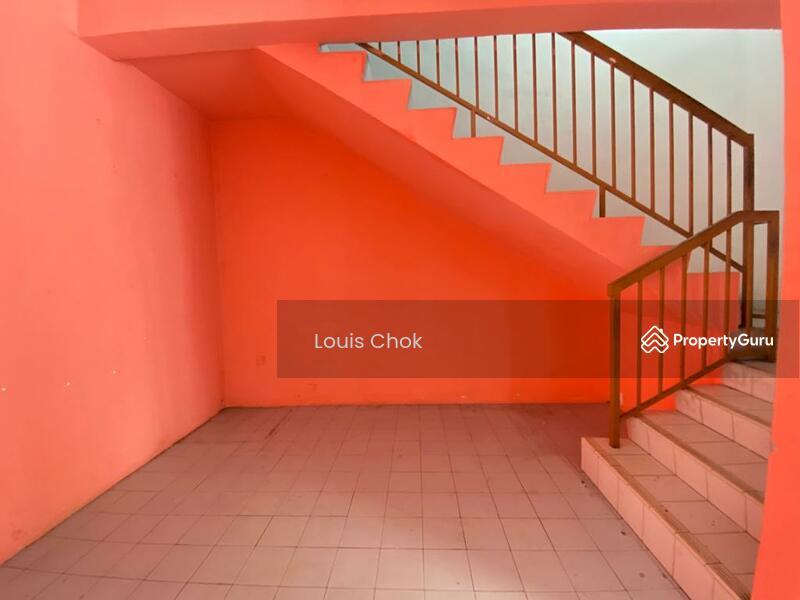 Johor Jaya Jalan Keembong #158779607