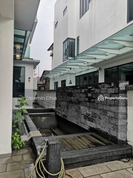 Laman Residence #159965191