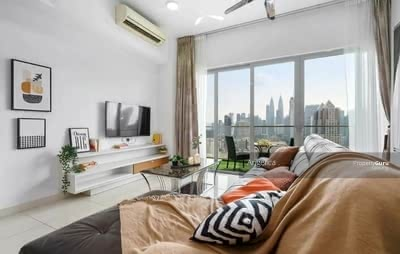 For Sale - Super Low Density @ KLCC & TRX Golden View - 3R2B Big layout & Greenary View + Highway
