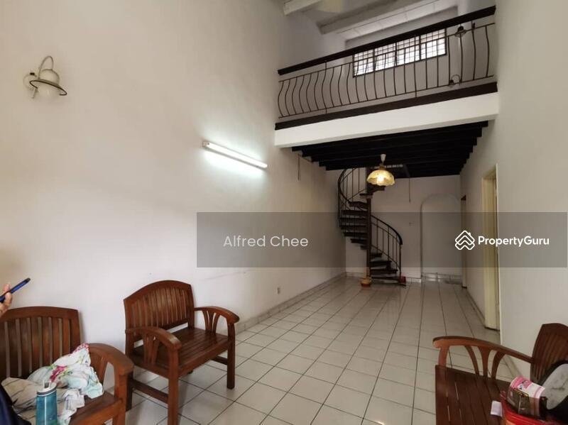 1.5 Storey House at Taman Molek #160353879