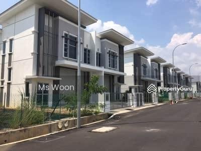 For Rent - 1 1/2 Storey SEMI D Factory Perindustrian Taman Tasik Utama , Ayer Keroh Melaka