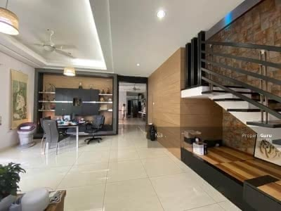 For Sale - 2 Storey  Semi Detach @ Taman Molek , Jln Redang Villa