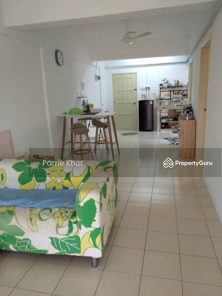 Puncak Desa Apartment #160562857