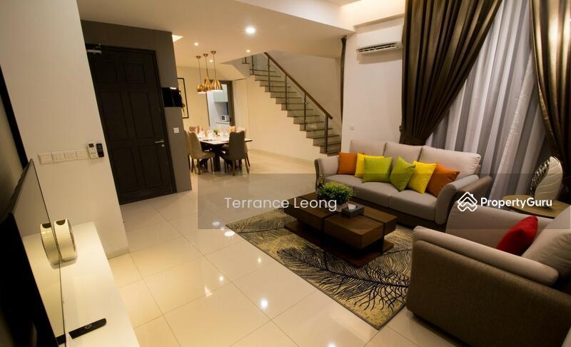 Tropical Villa #160785789