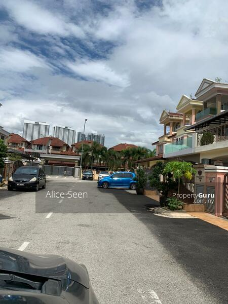 Auction house in kepong #160995355
