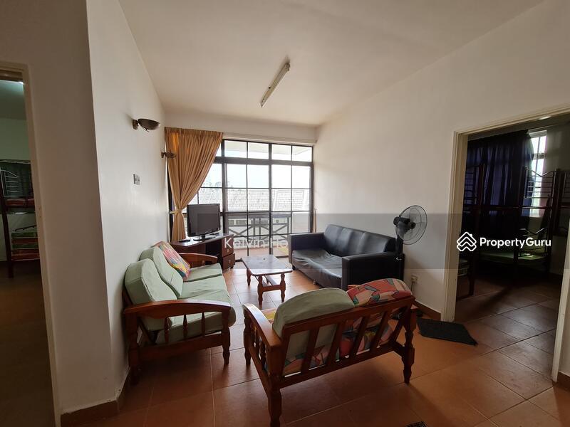 Meranti Apartment #162298621