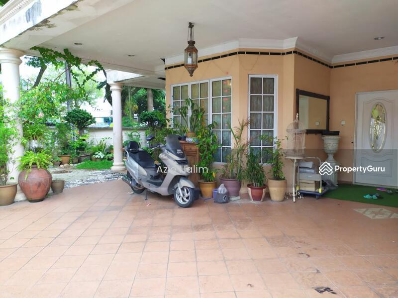 CORNER 2 Storey Terrace House Bandar Tun Razak KL #162464109