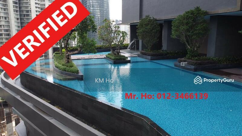 Favility : Huge swimming pool