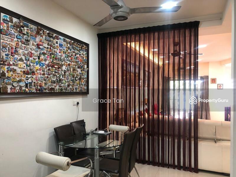 Mutiara Damansara #162647367