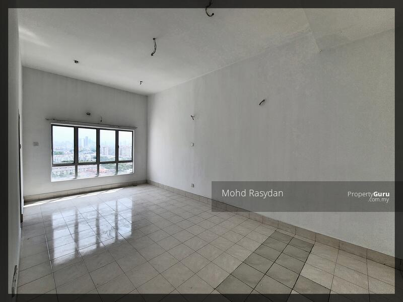 Master bedroom with high ceiling
