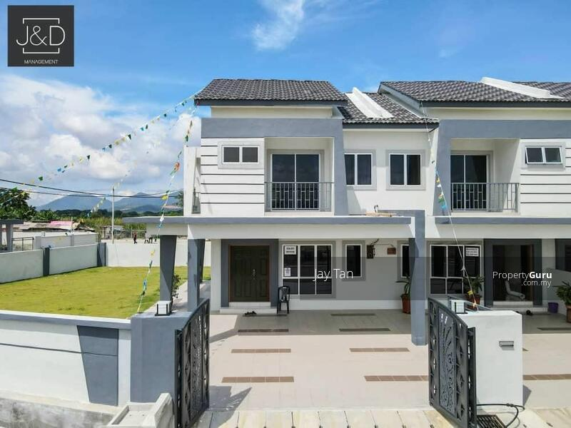 2 Storey Terrace House 5 bedrooms, gated & guarded in pengkalan Station 18 #162910405