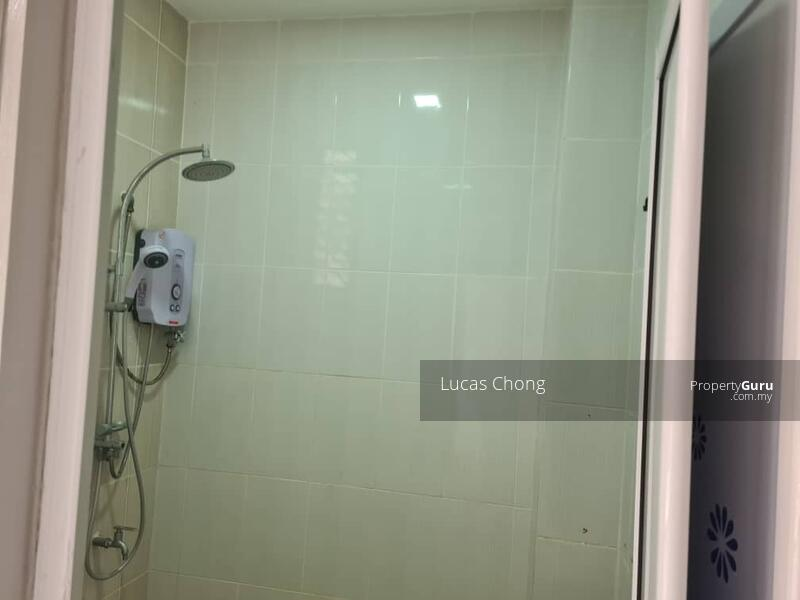 For Rent - 1.5 Storey Terrace House @ Taman Molek #163043327