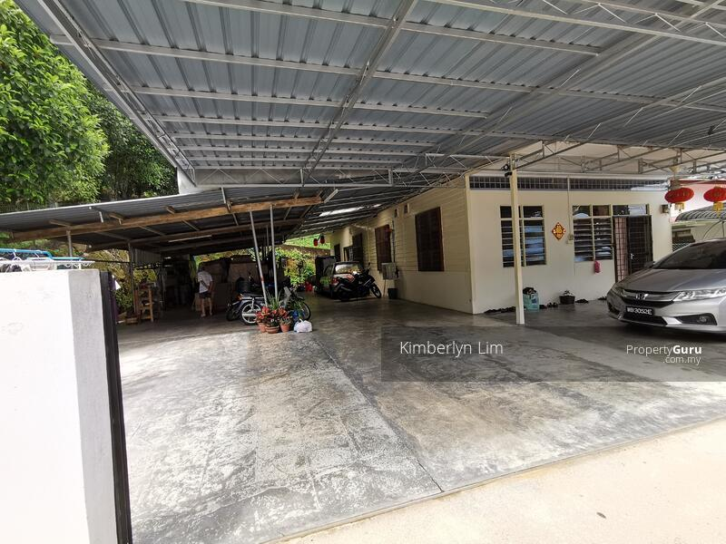 Kampung Bungalow with Orchard Durian Farm #163157601