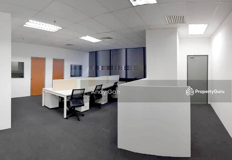 KL Gateway #163377057