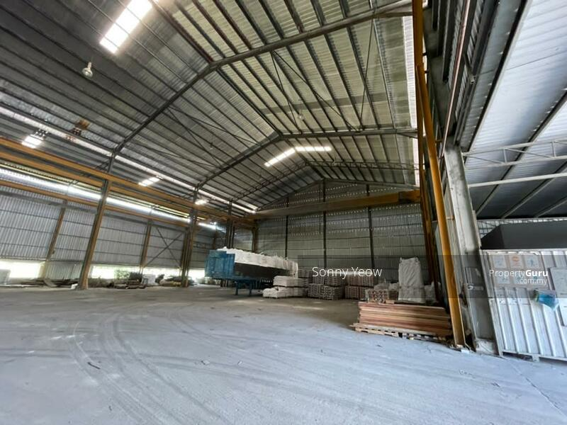 High Ceiling 12 metres with ready overhead crane