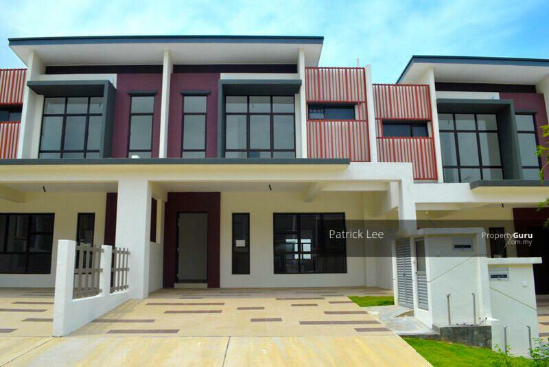 FACING OPEN CORNER 2 Storey Terrace, Senawang / Seremban #163556375