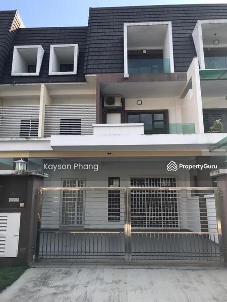 2.5 Storey Terrace House @Taman kempas utama #163579631