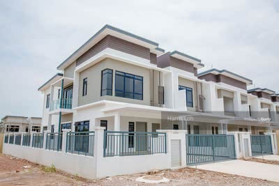 For Sale - [ Monthly RM 2000 ] kota kemuning Double Storey House