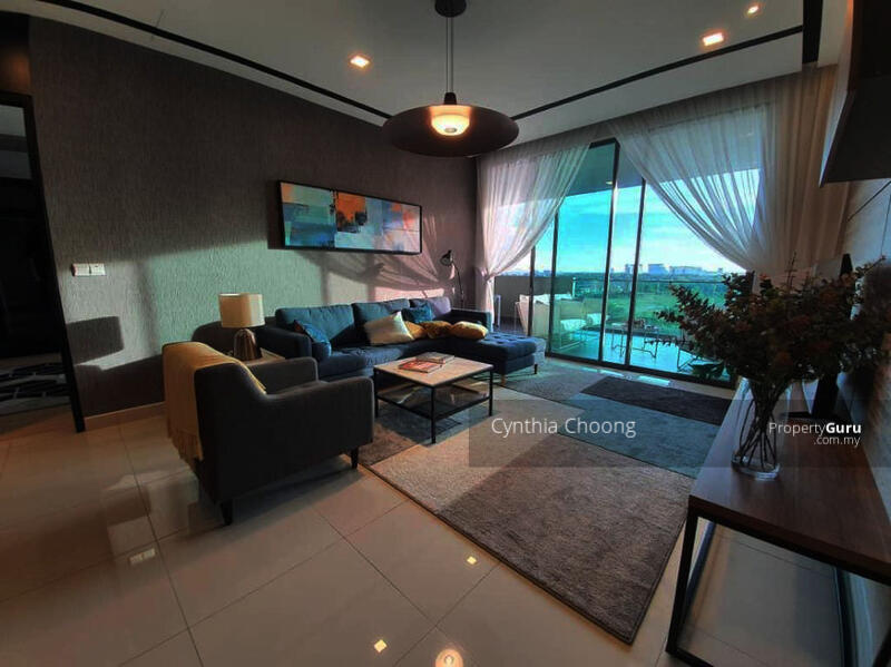 Lakeville Residence with 25OOSF - rm270psf completed Condo with 11sen maintenance fees #163643697