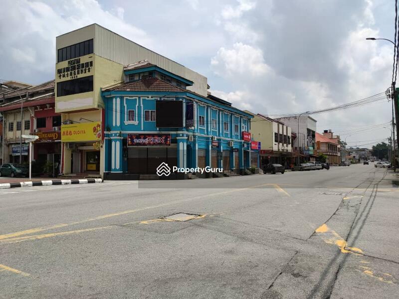 Jalan Raja Erkam - Ipoh town area #163695603