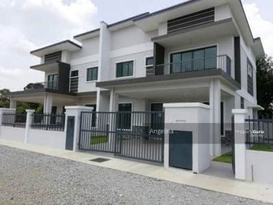 For Sale - [Easy Access to Highway! !] Double Storey Near Sri Petaling/ Puchong/ Sungai Besi! !