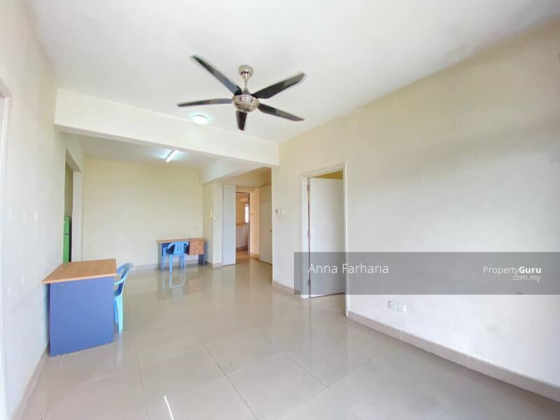 BELOW MARKET VALUE Prima U1 Condominium Seksyen U1 Shah Alam #163735661
