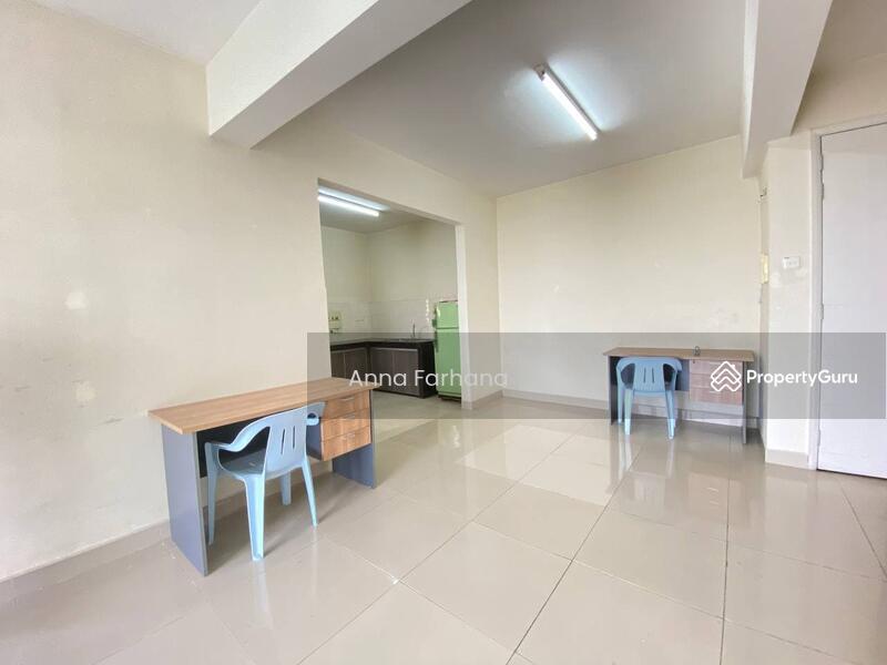 BELOW MARKET VALUE Prima U1 Condominium Seksyen U1 Shah Alam #163735691