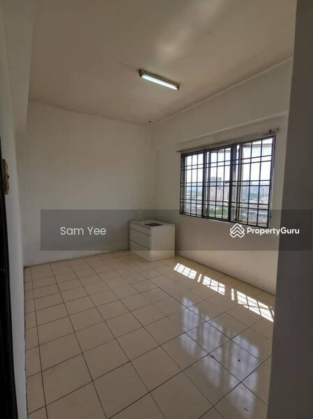 Puncak Desa Apartment #163777841