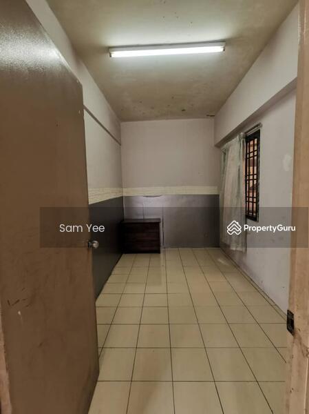 Puncak Desa Apartment #163777871