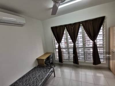 For Rent - Medium Aircond Room FULLY FURNISHED Highspeed WiFi, Weekly Cleaning, Setia Alam