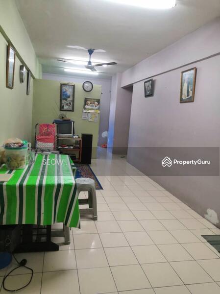 Puncak Desa Apartment #163976869
