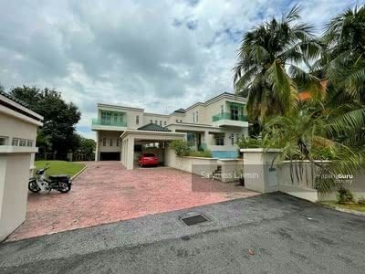 For Sale - LUXURIOUS Three Storey Bungalow at Country Heights Kajang