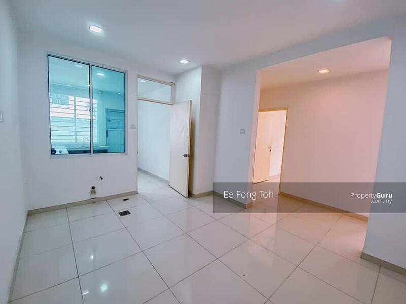 Taman Molek semi-D house with gated guarded #164326559