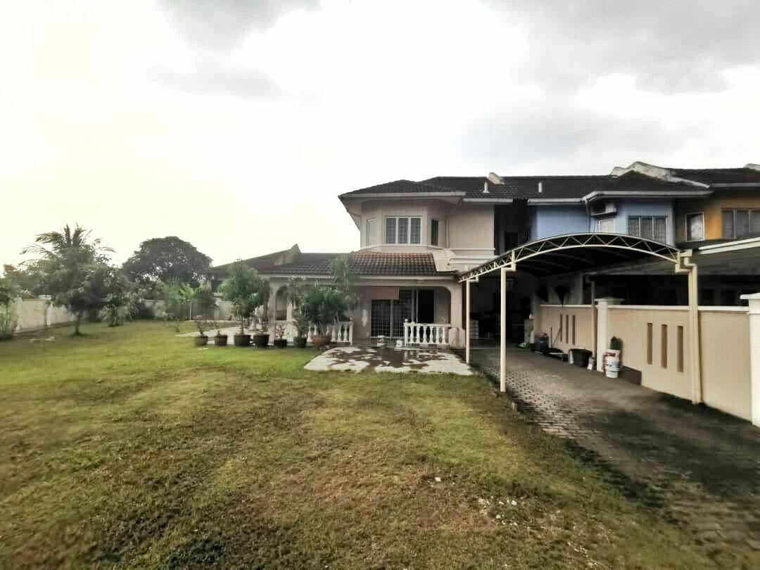 For Sale - [Non Bumi Lot] 2 Storey House Huge land 7, 000sqft CORNER LOT at Seksyen 6 Kota Damansara