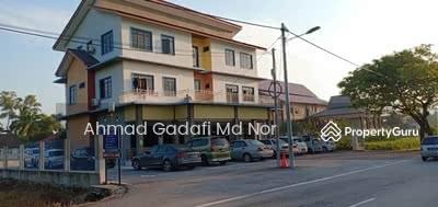 Dijual - Rumah Rehat 3 Tingkat di Kuala Nerus 13 Room 0. 27 Ekar Fully Furnished