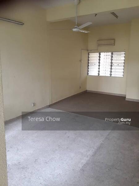 4r3b Double Storey link house at Damansara with proximity to amenities #164856533