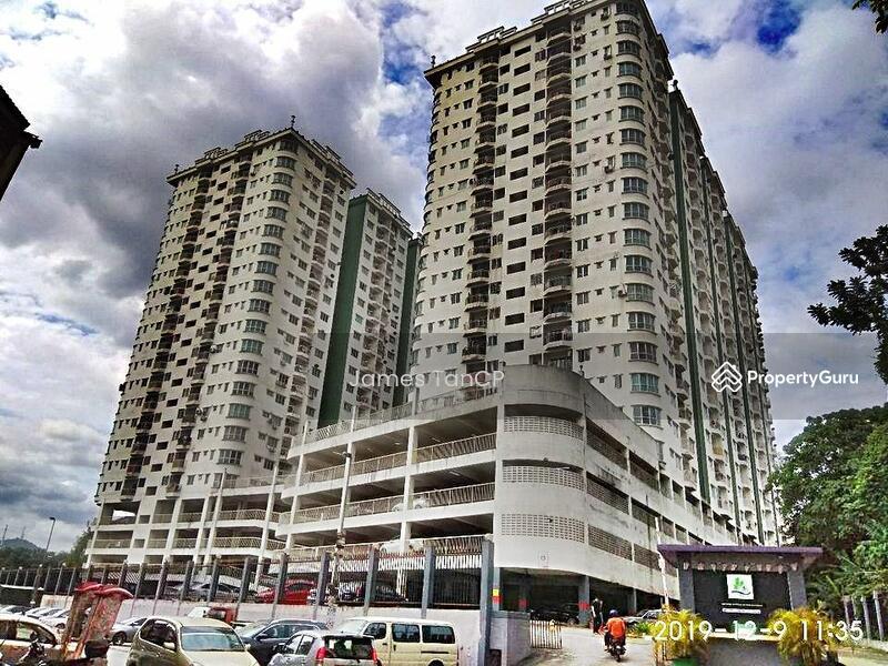 Puncak Desa Apartment #164985479