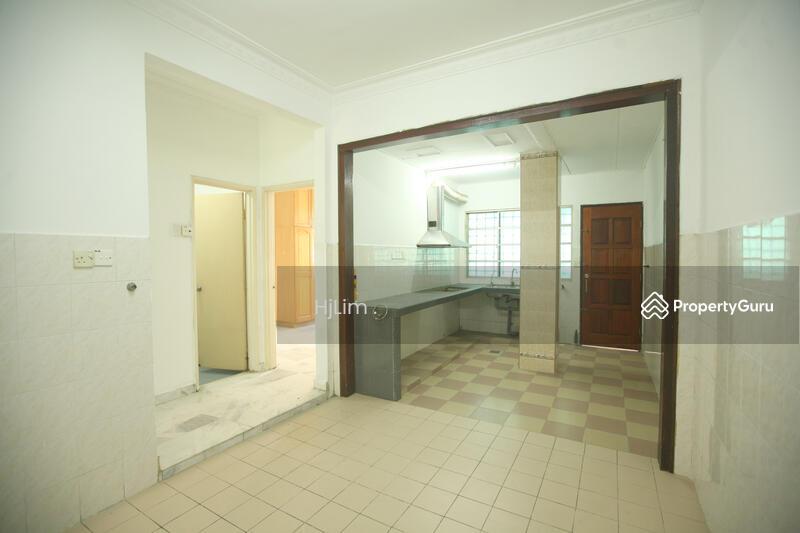 Double storey Alam Damai. #165076239