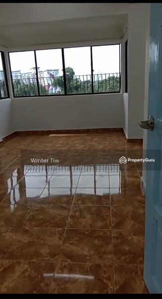 Taman Perling Jalan Camar Low Cost Flat Renovation Good Condition for sale #165105353