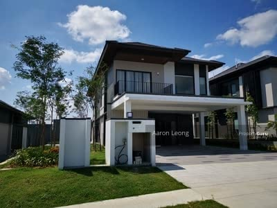 For Sale - 1 & 2 STOREY HUGE BUNGALOW - FREEHOLD