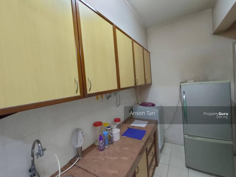 Puncak Desa Apartment #165733911
