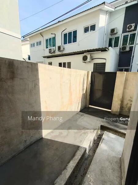 Station 18 gated and guarded double storey Terrace house #166022923