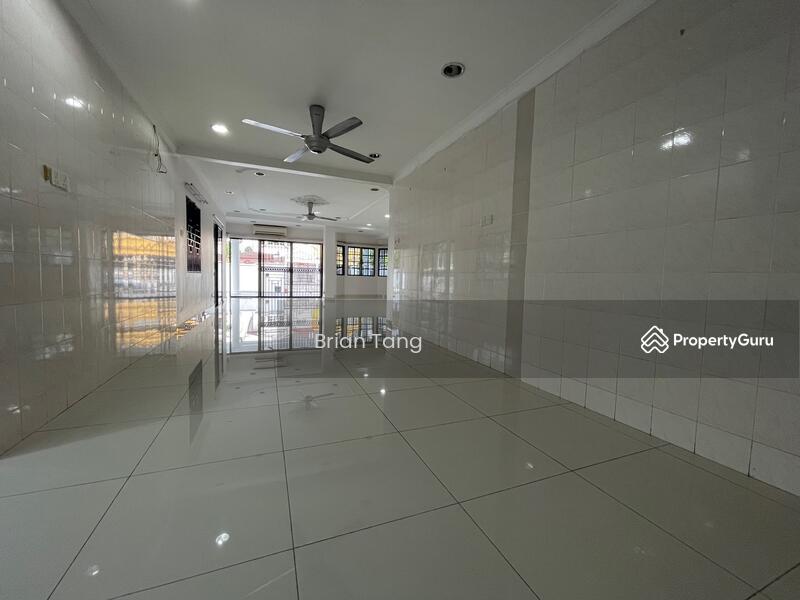 Bandar Sri Damansara #166230847