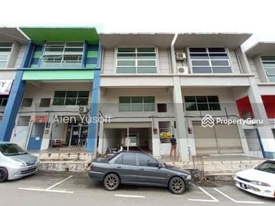 For Sale - [BELOW MV] [FACING ROAD] Double Storey Shoplot near Perkampungan Padang Jaya, Kuantan