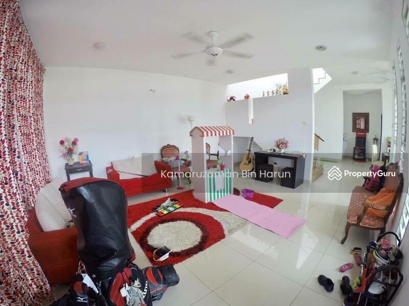 Corner Lot 2 Storey Terrace Laman Glenmarie, Shah Alam. #168453929